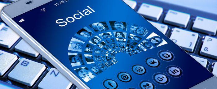 สื่อสังคมออนไลน์ ดาบสองคมที่นักการ ...