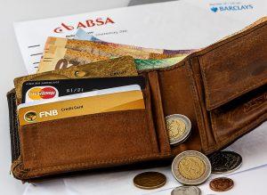 เทียบง่ายๆ ให้เข้าใจ บัตรกดเงินสด VS สินเชื่อส่วนบุคคล